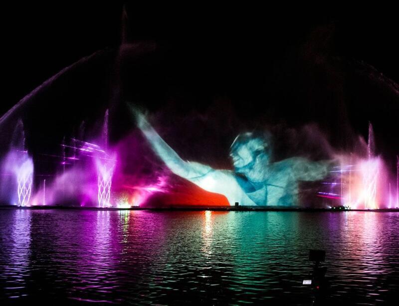 """Онлайн Знайомства Вінниця. Романтична зустріч і світломузичний фонтан """"Рошен"""" Цікаві місця для побачень, Романтична зустріч, Світломузичний фонтан id1451534139"""