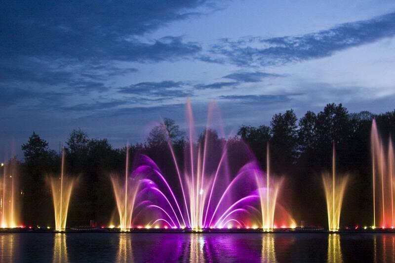 """Онлайн Знайомства Вінниця. Побачення біля світломузичного фонтану """"Рошен"""" Цікаві місця для побачень, Романтична зустріч, Cвітломузичний фонтан id2034501168"""