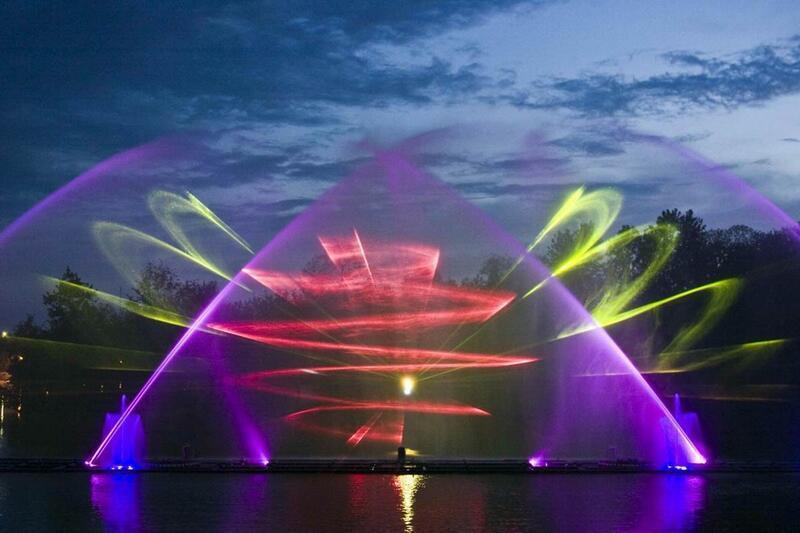 """Онлайн Знайомства Вінниця. Унікальність світломузичного фонтану """"Рошен"""" Цікаві місця для побачень, Романтична зустріч, Cвітломузичний фонтан id1889900493"""