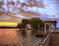 Знайомства Тернопіль. Мальовничі парки та сквери Цікаві місця для побачень, Тернопільське озеро, Мальовничі парки та сквери Тернополя id142236929