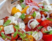 Томатний салат з бринзою id1323592756