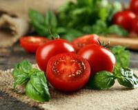 Томатный салат с брынзой  id704094181
